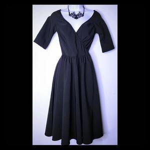 Dresses & Skirts - Stretchy Black Dress